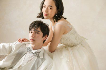 フォトウェディング需要増 婚姻数減少のなか利用件数15%増・特に洋装のみ着用31%増。利用額もアップ 洋装人気、挙式希望カップルがフォトウェディングに変更した可能性も